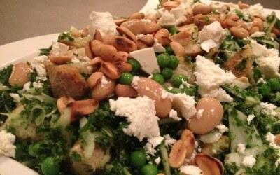 Groene panzanella met boerenkool