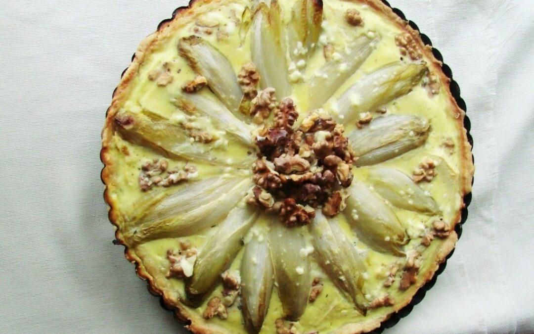 Vega budget: hartige taart met witlof en geitenkaas