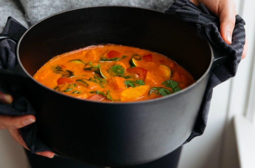 Easy Vegan: Zoete aardappelstoofpot