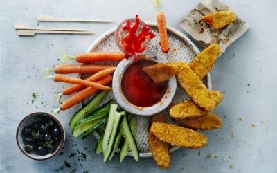 Vegan borrel platter met chili-limoendip