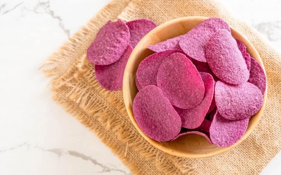 Ube: paarse zoete aardappel chips